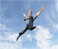 مفسر أحلام يوضح رؤيةالطيران من مكان لآخر في المنام