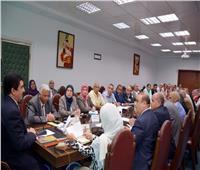 محافظ القليوبية يعقد اجتماعا لبحث استعدات العام الدراسي الجديد