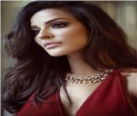 النجمة اللبنانية نادين نسيب تعلن خبر انفصالها عن زوجها
