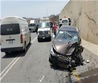 كثافات مرورية أعلى طريق الإسماعيلية إثر تصادم 4 سيارات