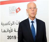 انتخابات تونس| يرى السلطة «بلاء وابتلاء».. من هو قيس سعيد مرشح الإعادة؟