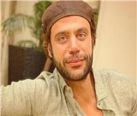 محمد إمام يعبر عن سعادته بمفاجأة عيد ميلاده