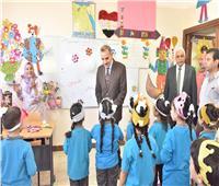 محافظ أسيوط يتفقد عدد من المدارس للاطمئنان على سير العملية التعليمية