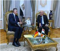 وزير الدولة للإنتاج الحربي يبحث سبل التعاون مع سفير ألمانيا