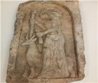 المتحف القومي بالفسطاط يستقبل قطعًا أثرية مهداة من الجامعة الأمريكية | صور