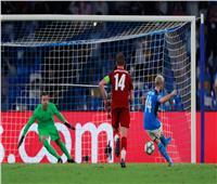 فيديو| ميرتينز يسجل هدف التقدم لنابولي في ليفربول