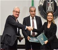 مصر وإيطاليا توقعان اتفاقية لإنشاء 10 صوامع رأسية بـ360 مليون جنيه