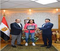 وزير الرياضة يلتقى البطلة المصرية هانيا مورو