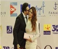صور| «القبلات» شعار أحمد الفيشاوي في مهرجان الجونة السينمائي