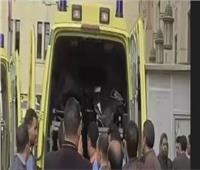 مصرع أب ونجليه وإصابة 4 في انقلاب سيارتهم بمحور الضبعة