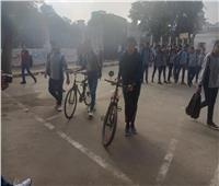 صور وفيديو| الدراجات وسيلة نقل الطلاب بمدارس الجيزة