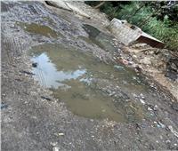 بيوت كفر منصور بالقليوبية تغرق في مياه المجاري