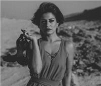 صور| منة فضالي تثير الجدل بـ«فوتو سيشن» الأبيض والأسود
