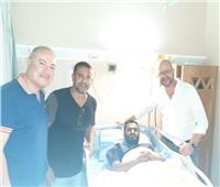 صور| إسلام رشدي يجري جراحة الصليبي على يد فايلر