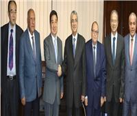 وزير الكهرباء يجتمع برئيس شركة صينية لبحث سبل التعاون