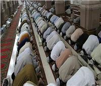 «أسهو خلف الإمام في الصلاة» هل أقوم بسجدتين؟.. «البحوث الإسلامية» تجيب