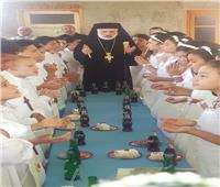 الأنبا باسليوس يترأس قداس المناولة الاحتفالية في سوهاج