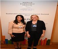 وزيرة السياحة تلتقي برئيس قطاع الطيران بمنتدى الاقتصاد العالمي