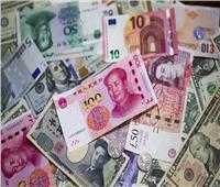 تراجع جماعي في أسعار العملات الأجنبية بالبنوك الخميس
