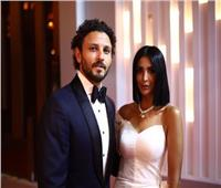 حسام غالي وزوجته يخطفان الأنظار بختام مهرجان الجونة