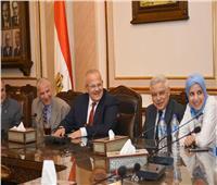الخشت: تطوير نادي أعضاء هيئة التدريس ليصبح ملتقى لأساتذة جامعة القاهرة وأسرهم