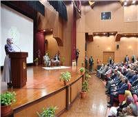 وزير التعليم العالي يعقد لقاءًا مفتوحًا مع أساتذة وطلاب جامعة المنصورة