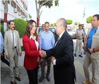 صور| وزير الزراعة يلتقي محافظ دمياط في مستهل زيارته للمحافظة