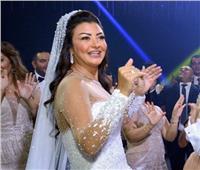 تعرف على تكلفة «فستان» عروسة نجم منتخب مصر