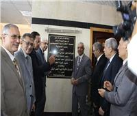عادل مبارك يفتتح تحديث المكتبة والمدرجات الجديدة بطب المنوفية