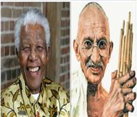 الزعيم مهاتما غاندي.. رجلٌ مرّ من بلاد «نيلسون مانديلا»