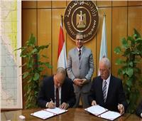 القوى العاملة: توقيع بروتوكول تعاون بين نقابتي البترول بمصر ولبنان
