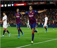 فيديو  برشلونة يكتسح إشبيلية ويطارد الريال في صدارة الدوري الإسباني