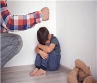 ما حكم ضرب الأبناء أو تعنيفهم بهدف التربية؟.. «الإفتاء» تجيب