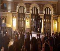 صور| التجهيزات النهائية لافتتاح مهرجان الإسكندرية السينمائي
