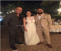 صور| محمد صابر عرب ونهاوند سري في زفاف «هادي ونور»