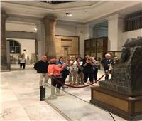 صور| وفود بطولة العالم لرواد السلاح يزورون المتحف المصري
