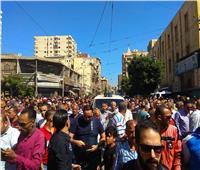 بالصور  تشييع جنازة الفنان طلعت زكريا بالإسكندرية