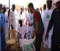 مركز الملك سلمان للإغاثة يوزع مساعدات إنسانية للمتضررين من السيول بصعدة اليمنية