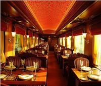 لمواجهة السمنة.. «الصحة البريطانية» تطالب بمنع الأطعمة في القطارات والحافلات