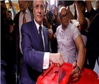 انتخابات تونس  نبيل القروي يدلي بصوته في الانتخابات الرئاسية
