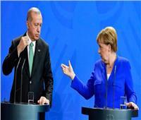 ميركل تطلب من أردوغان ضرورة وقف العملية العسكرية التركية في سوريا فورًا