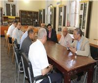 محافظ سوهاج ووفد دار الكتب يتفقدان مكتبة «رفاعة الطهطاوي»