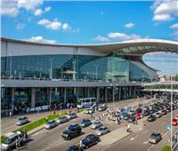 مطار القاهرة يستقبل العلماء والوفود المشاركة في مؤتمر الإفتاء العالمي