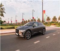 عرض نموذج سيارة «جاكوار I-PACE» ذاتية القيادة في دبي