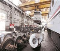 صور| داخل أقدم ورشة للقطارات في أفريقيا.. هنا القديم يصبح جديداً