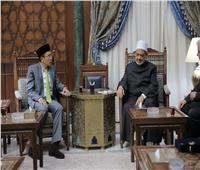 الإمام الأكبر: خريجو الأزهر الوافدين سفراء للمنهج الأزهري الوسطي في مجتمعاتهم