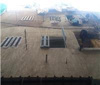 إصابة 3 أشخاص في انهيار سقف عقار بالإسكندرية