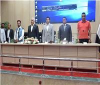وزير الرياضة يعقد اجتماعًا مع شباب مطروح لبحث مشكلاتهم