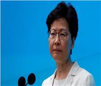 زعيمة هونج كونج تؤيد استخدام الشرطة القوة مع المحتجين
