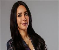 """إنجي علاء: اللي هيركز في الحلقة الأولى من """"بلا دليل"""" هيحل اللغز"""